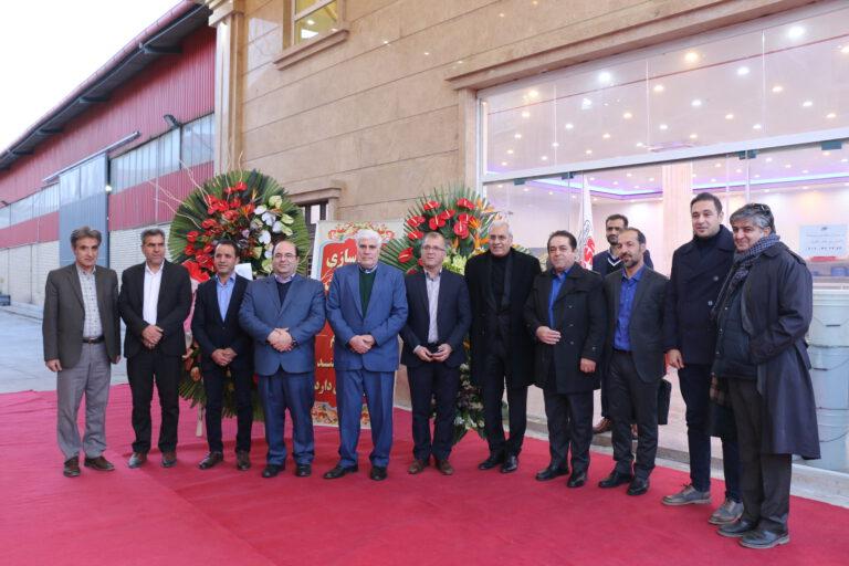 حضور صنعتگران و روسای اتحادیه های صنعت کفش در مراسم افتتاح کارخانه پی یو صنعت نظری